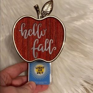 Bath and body works hello fall wallflower plugin